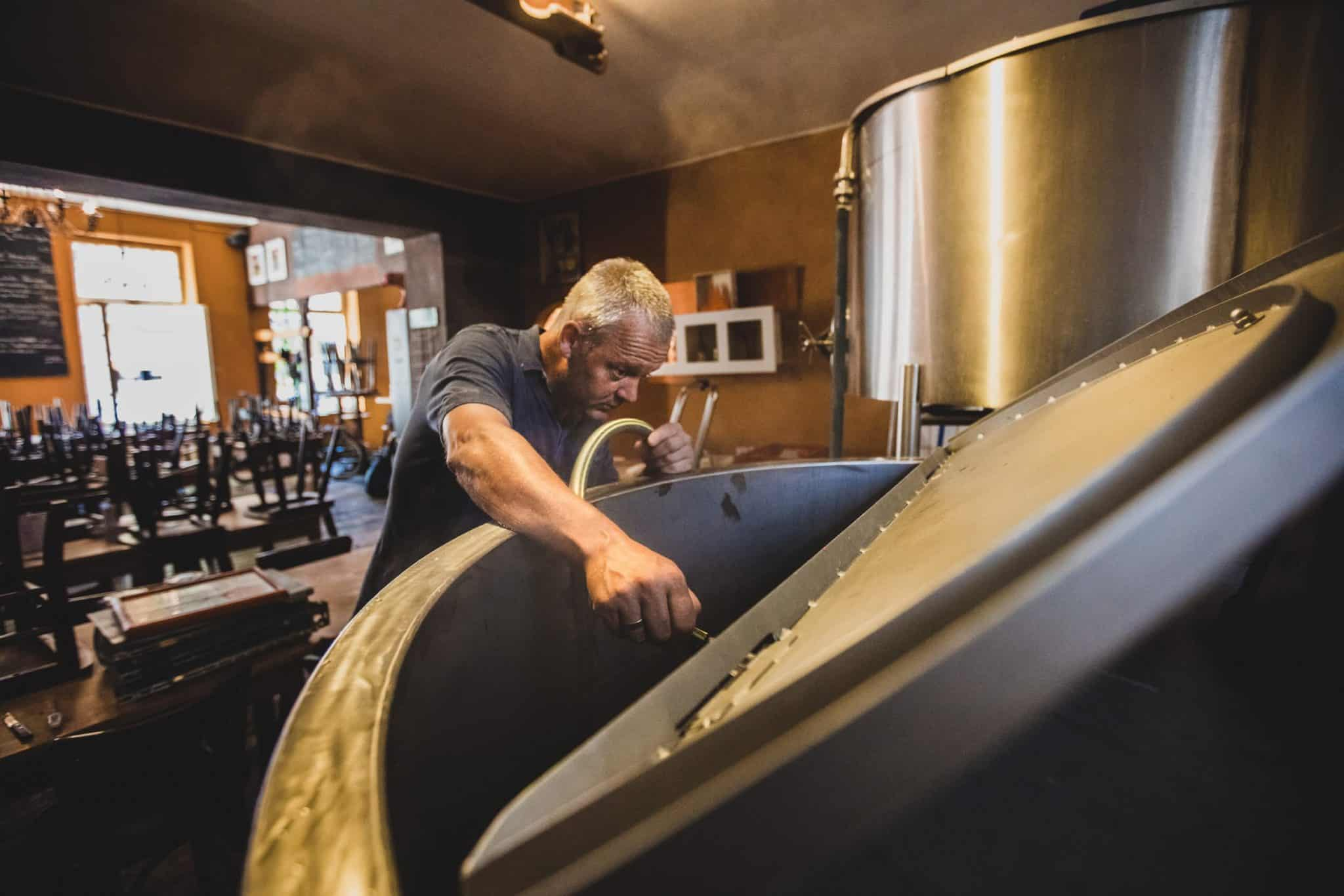 Helios Braustelle - brewing process photographed by Holger Altgeld